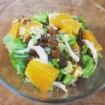 Energetyczna sałatka z kapusty pekińskiej i pomarańczy