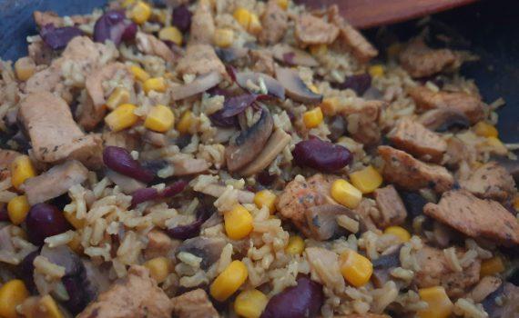 risotto z indykiem, kukurydzą, pieczarkami i fasolą