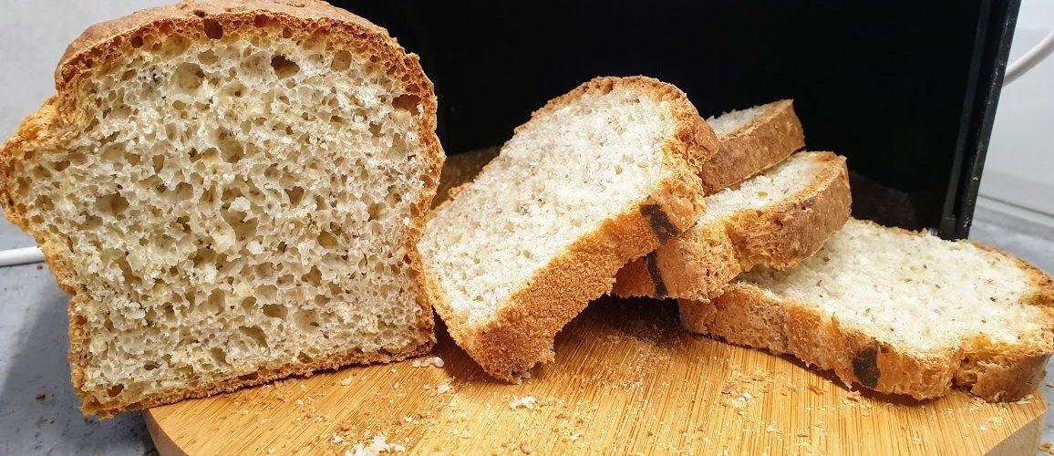 chlebek z płatkami jaglanymi