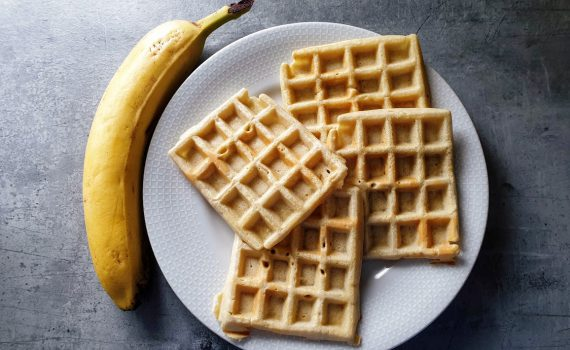 szybkie gofry z bananem i kaszą manną