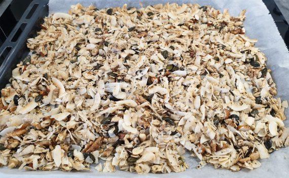 granola orzechowo-kokosowa