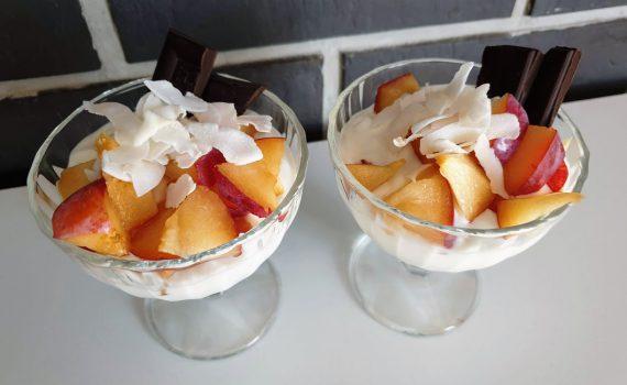 deser na bazie jogurtu naturalnego