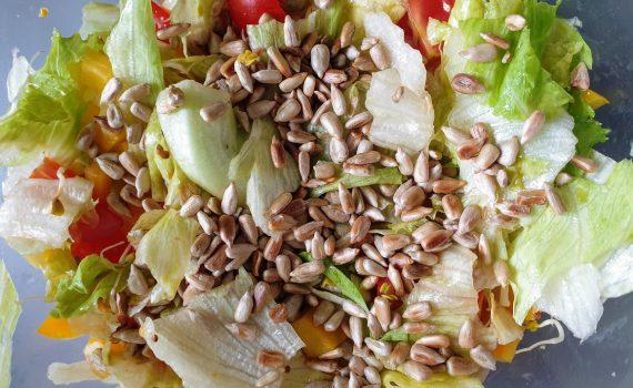 szybka salatka z salaty lodowej
