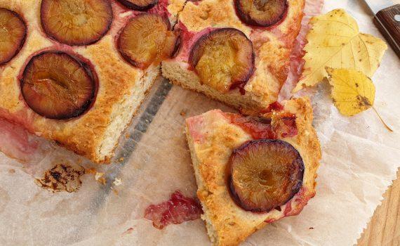 ciasto kefirowe ze śliwkami