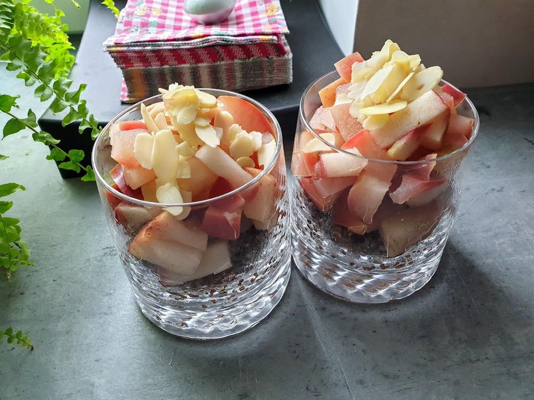 deser z quinoa i duszonym jabłkiem