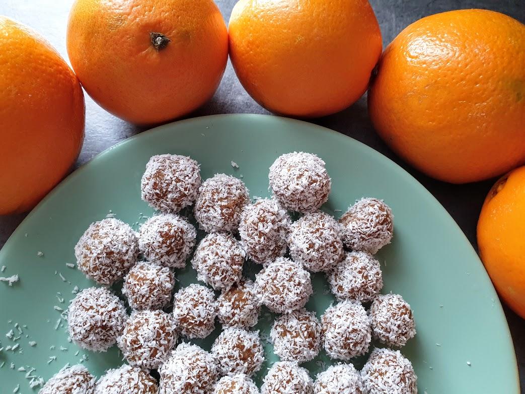 słodkie kuleczki migdałowo-pomarańczowe