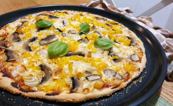 domowa pizza z warzywami