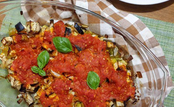 pieczone warzywa pod pomidorowym sosem