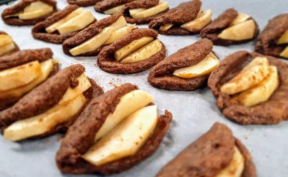 składane ciasteczka z jabłkiem
