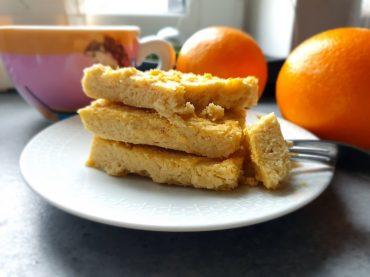 Blondie z fasoli z nutka pomarańczy