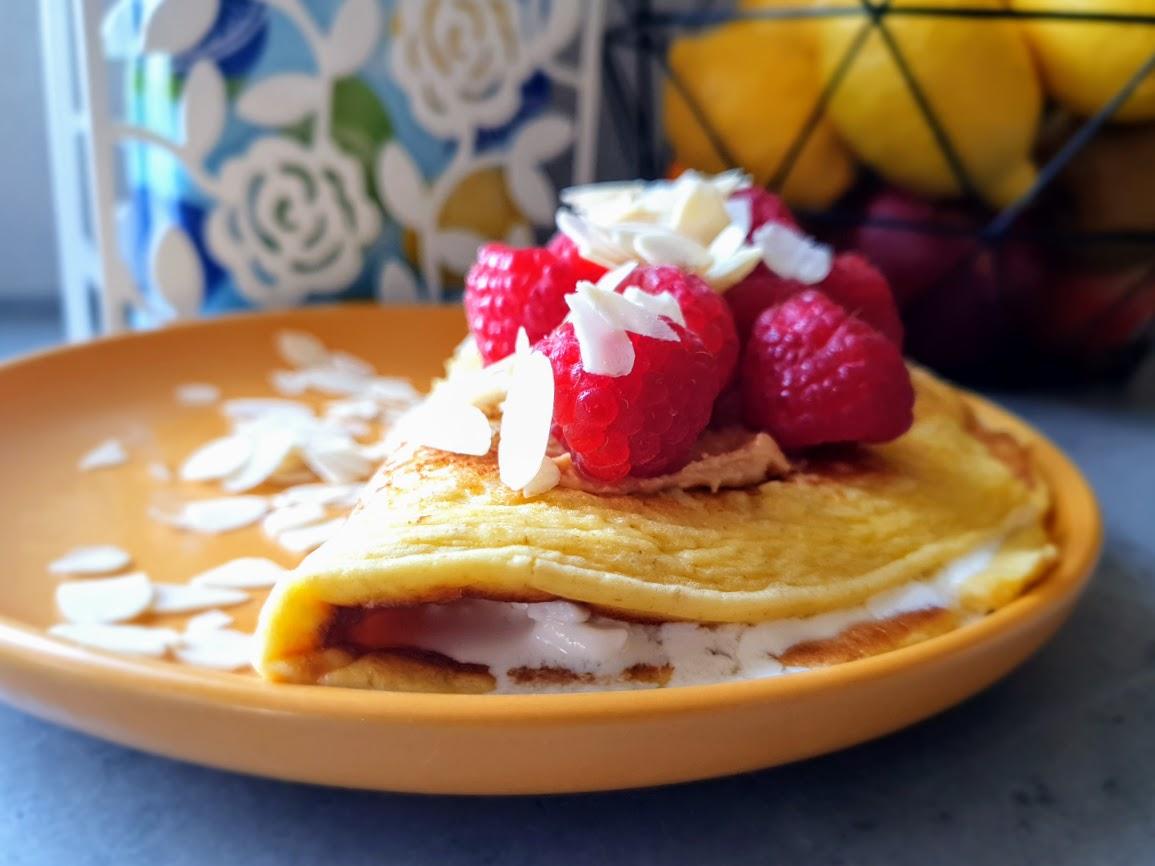 sycący omlet z serkiem wiejskim